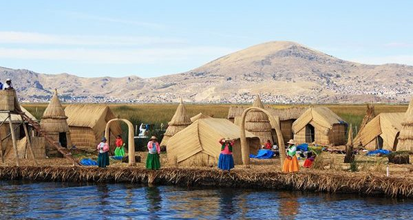 Vacations in the floating islands in Puno - Peru